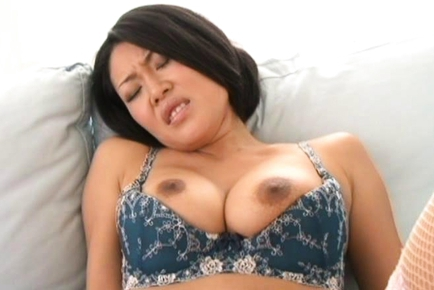 Ayaka sian milf spreads her legs