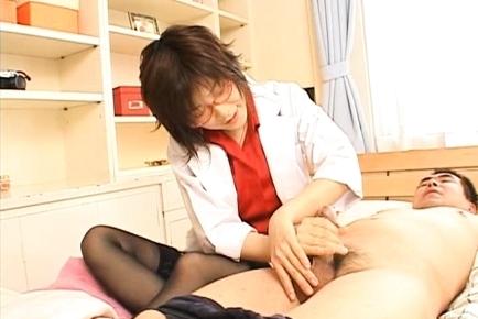 Kasumi Uehara Asian milf enjoys sucking cock