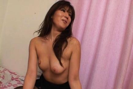 Yu Izawa Japanese milf gives a hot blowjob