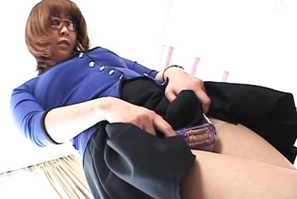 Ryo Hirase Asian milf gets a hot cumshot
