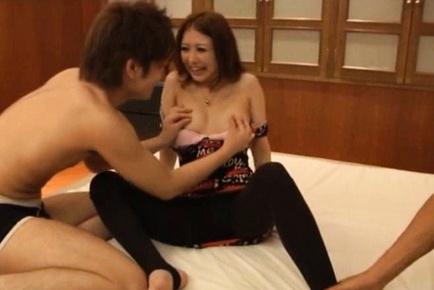 Hibiki Ohtsuki Hot Asian model has a nice body