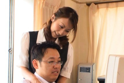 Crazy babe Rei Aoki gets treated to wet facial cumshot