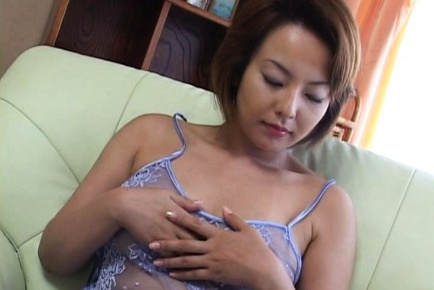 Rio Kurusu Japanese babe is masturbating