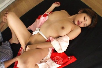 Alice Hoshi Asian babe gets facial