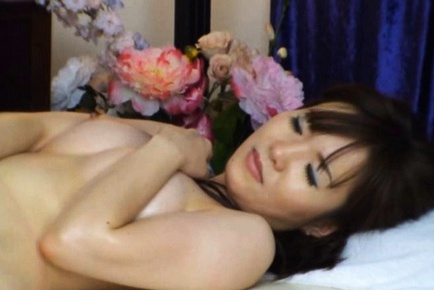 Horny sexy wife gets a full on sexual massage