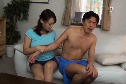 Reiko Nakamori Asian babe is a kinky MILF