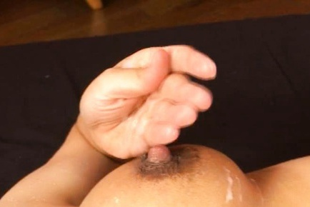 Mao Yuuki Asian MILF breastfeeds her boyfriend