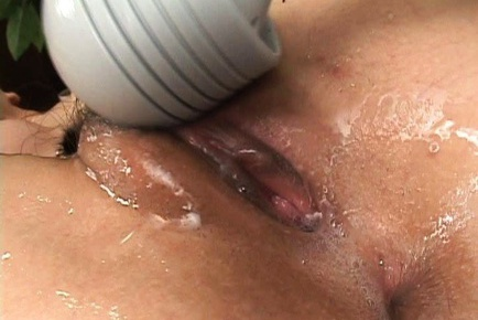 Two Vibrators Make Yui Natsuki´s Pussy Soaking Wet