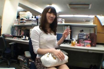 Exhibitionist Rinka Kiriyama Masturbates In Public