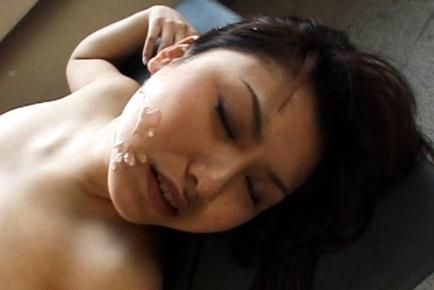 Senna Ogawa Japanese babe gets a facial