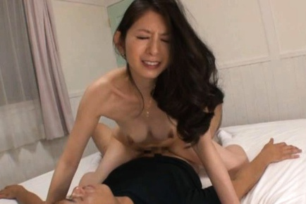 Horny MILF Miku Hasegawa Makes A Booty Call For Sex