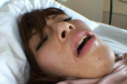 Yuki Heiwajima gets cum in her mouth