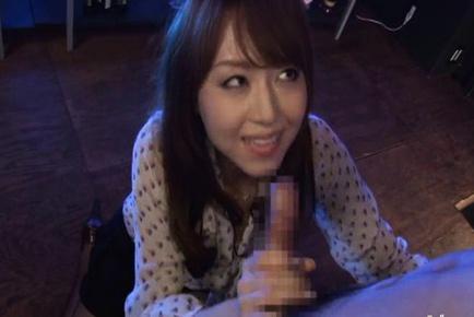 AV princess Akiho Yoshizawa nympho blowjob