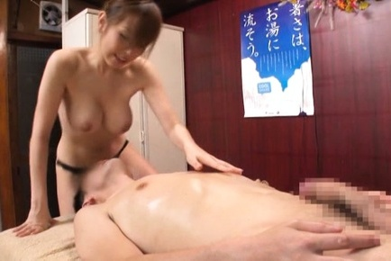 Sexy Japanese masseuse fucks her impressive client