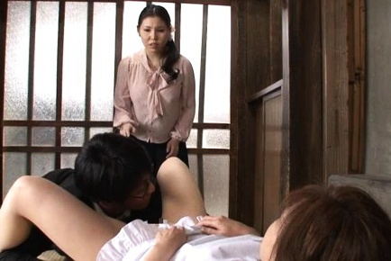 image Kaede niiyama feels pleasure in both her tight holes